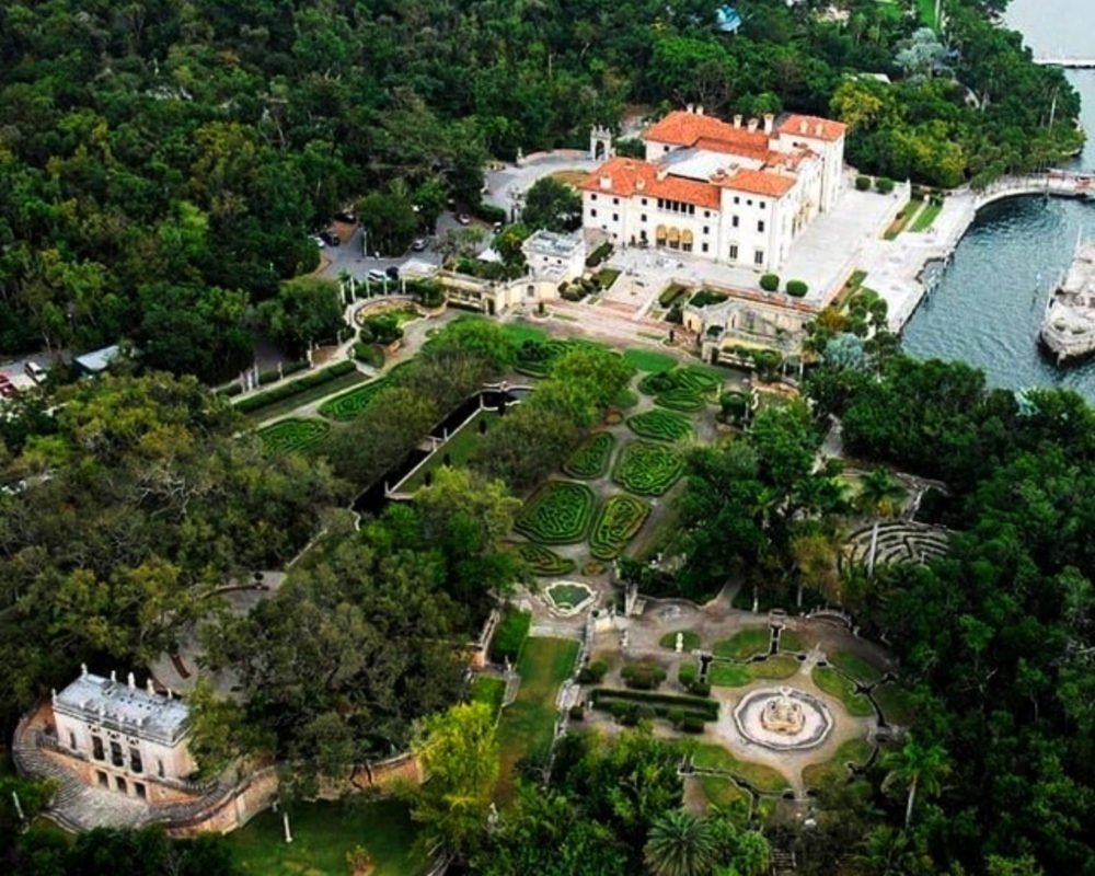 Vizcaya Museum and Gardens in Miami is an outdoor venue for weddings and corporate events